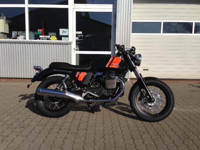 Moto Guzzi V7 live bei Claus Carstens