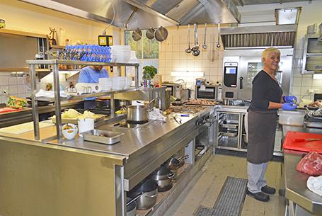 Hotel Alte Fischereischule Arbeitsplatz Küche