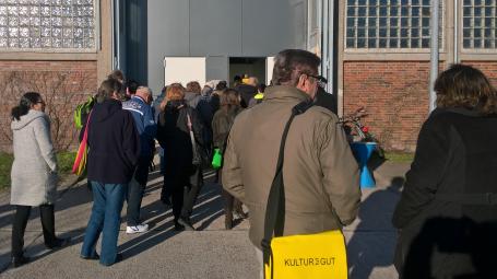 Zahlreiche Besucher bei der Führung in Rendsburg