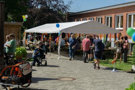 Sommerfest im Brücke-Wohnheim Lornsenstraße