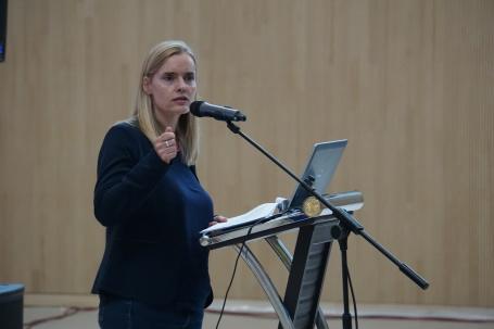 Prof. Melanie Groß